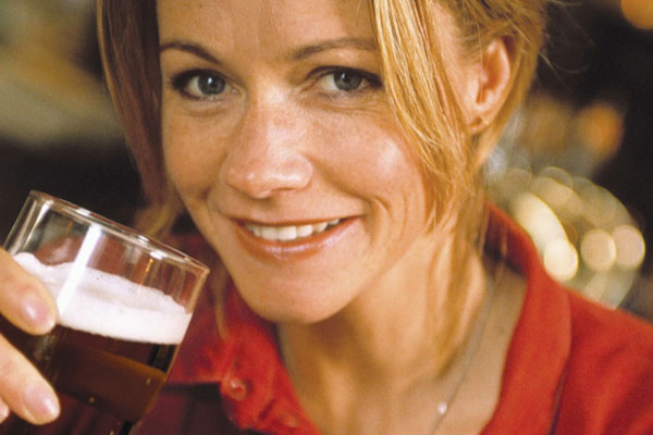 women and craft beer